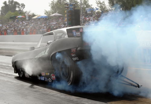 "Richard Townsend does his burnout in the ""Nitroholic"" Camaro"