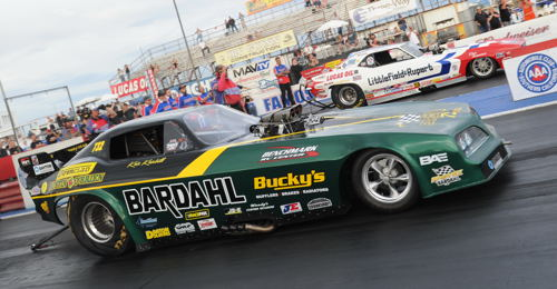 (Jason Rupert (far lane) defeated Kris Krabill in the CHRR Funny Car final round)