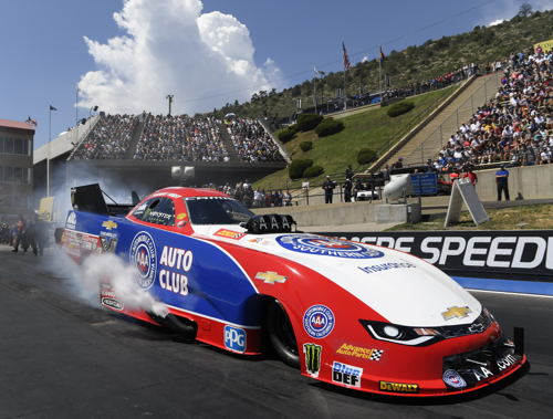(Robert Hight scored an important and team relieving victory at the Mopar Mile High Nationals)