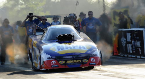 (Ron Capps kept his amazing 2017 season roll going in fuel FC racing!)